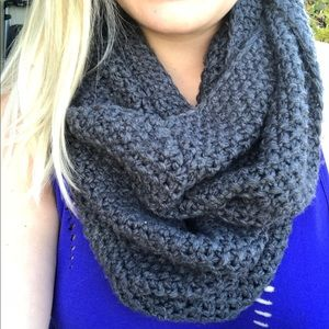Old Navy Infinity Scarf Grey Knit Cable